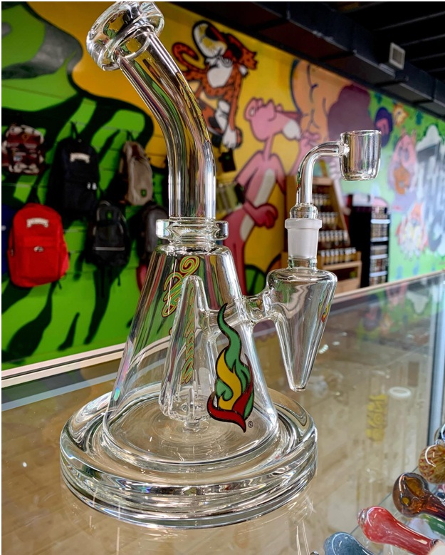 Hand Pipes vs. Water Pipes Near Me: The Ultimate Debate